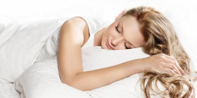 manfaat-tidur-malam-lebih-awal-660x330