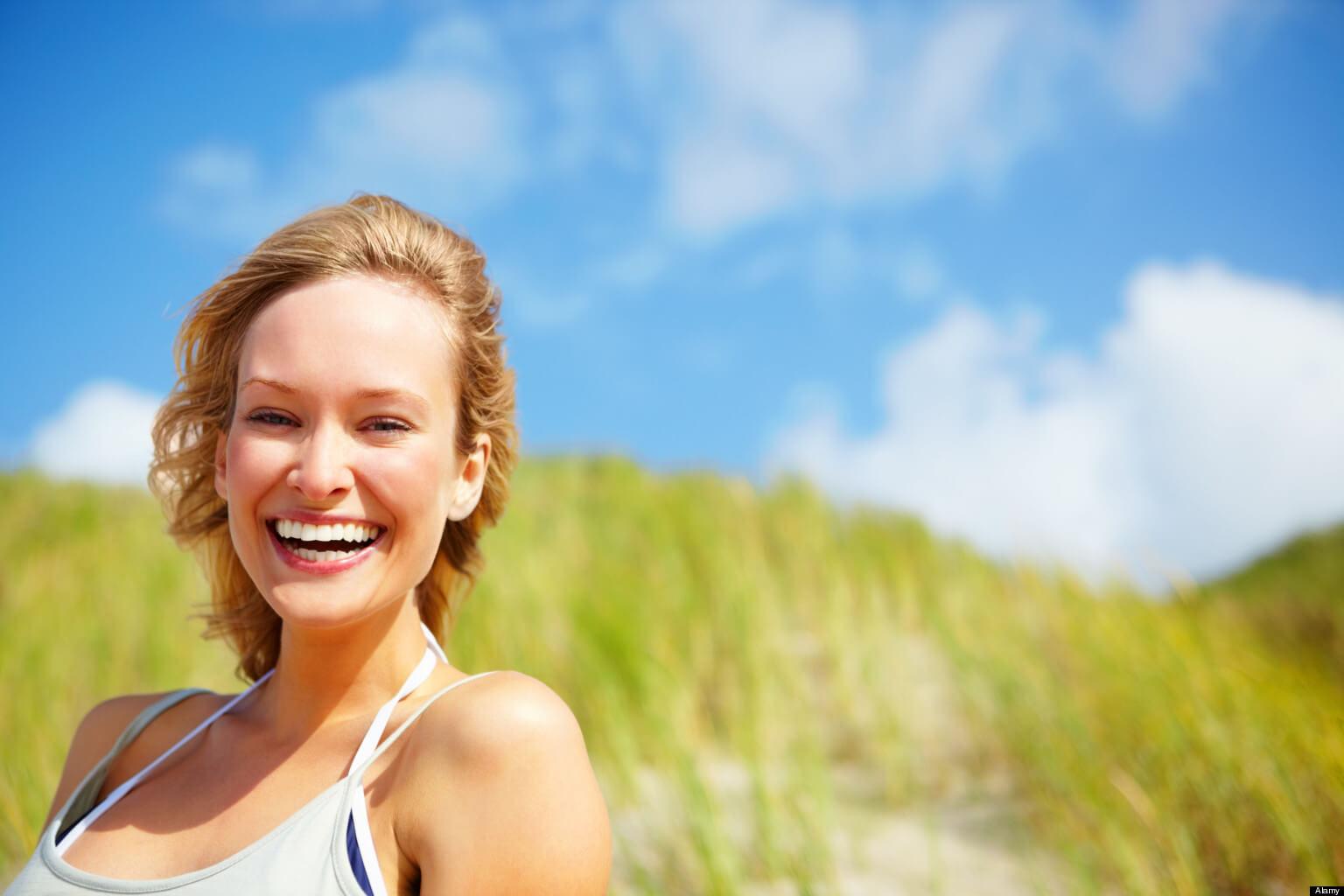 BFWRDJ Pretty happy woman smiling