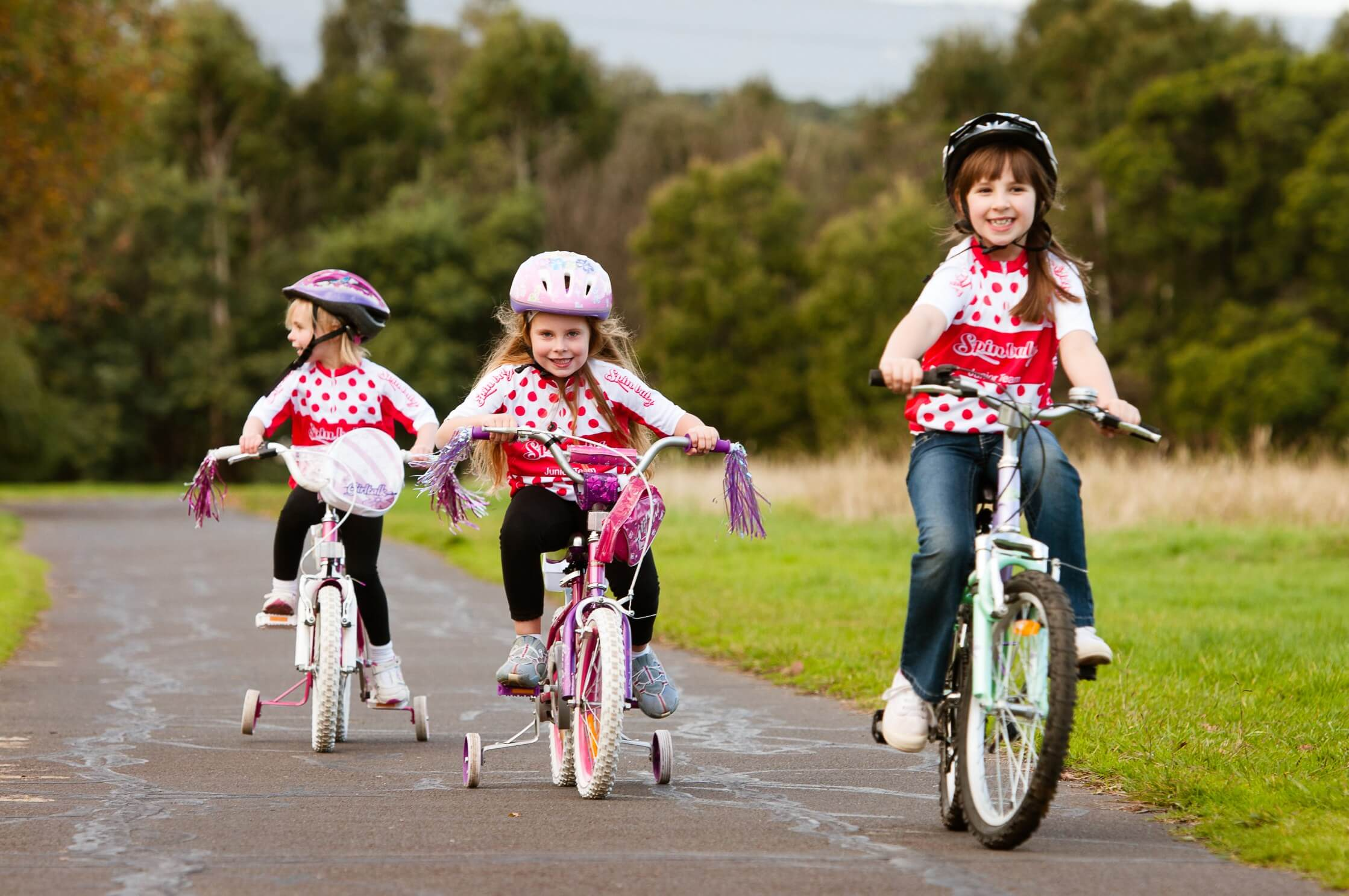 kids-cycling